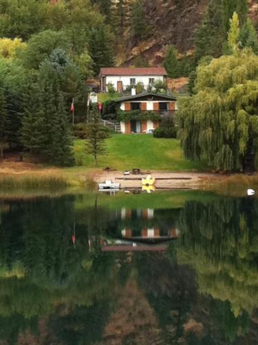 Bed and Breakfast at Troutlake BC